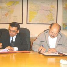 10.02.2010 को अटुली और एटलिन के साथ आईडब्ल्यूएआई और एमएस जिंदल पावर लिमिटेड के बीच समझौता ज्ञापन पर हस्ताक्षर